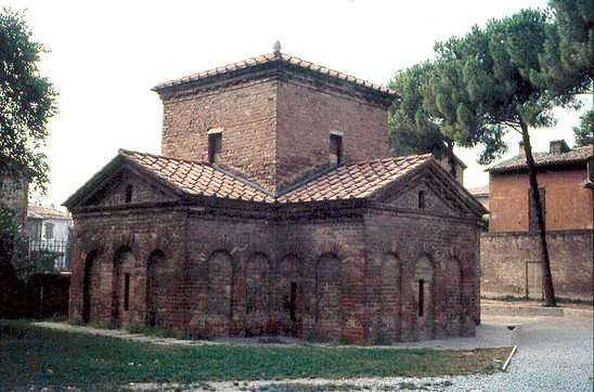 Fig. 17: Mausoleum Gallia Placidia in Ravenna, Italy. Credit: Mausoleum Gallia Placidia, Ravenna, S.N.