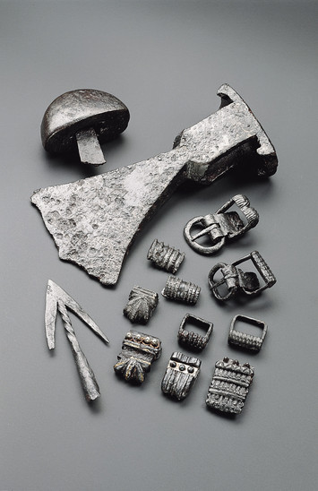 Fig. 17: Gradišče above Bašelj, pieces of military equipment and iron mounts. Credits: National Museum of Slovenia, Tomaž Lauko
