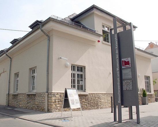 Fig. 45: The 'Besucherzentrum' (visitors centre) and Museum bei der Kaiserpfalz. Credit: Stadt Ingelheim, photo Edgar Daudistel
