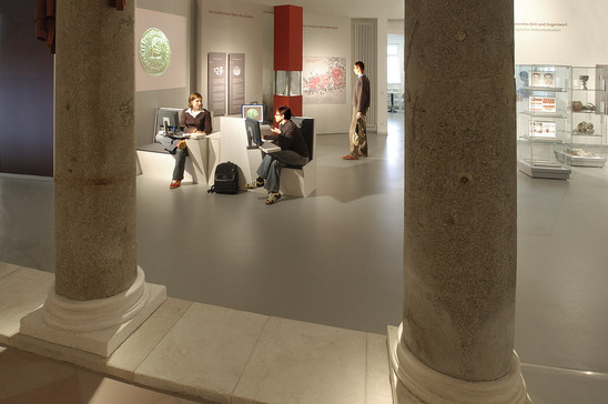 Fig. 46: The exhibition area of the museum. Credit: Kaiserpfalz Ingelheim, photo Michael Schlotterbeck