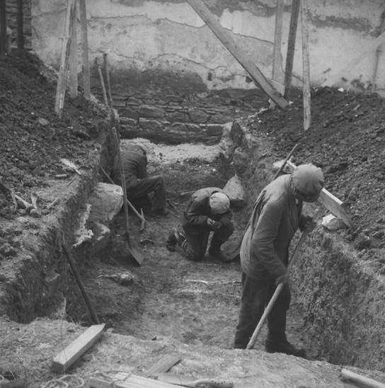 Fig. 35: St George Church, cemetery. Archaeological excavation of the Institute of Archaeology of the Slovak Academy of Sciencies in 1965, trench III northern from romanesque nave. Credit: Institute of Archaeology of the Slovak Academy of Sciences