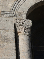 Fig. 10: Montmajour. Column re-used in the windows of the main apse of Notre-Dame. Credit: A. Hartmann-Virnich