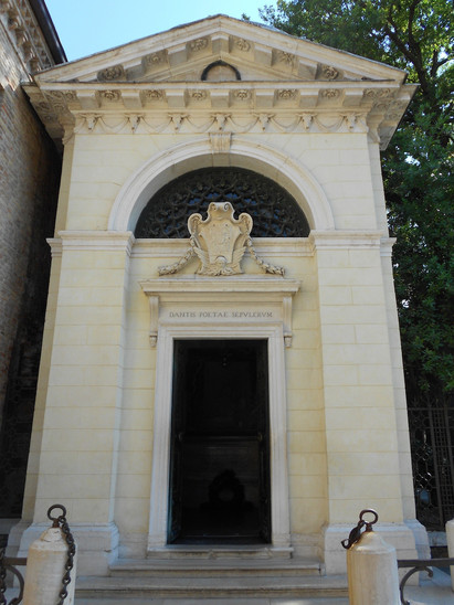 Fig. 11: Dante's tomb in Ravenna. Credit: F. Pivari