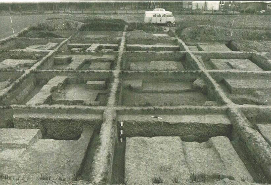 Fig. 39: Excavations around 1970 of a Gallo-Roman dwelling in the center of the vicus (Archaeological Park) under the direction of Marc Rogge. Credit: The Provinciaal Archeologisch Museum Velzeke